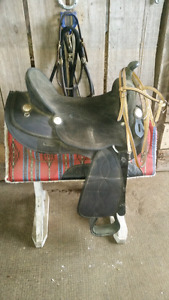"King Series 17"" synthetic saddle"