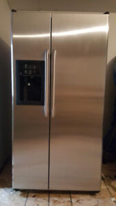 GE 2 Door Refrigerator with Water and Ice
