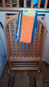 Wooden Crib with Pads