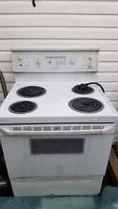 Stove is working 40$ and TV is working with  London Ontario image 3