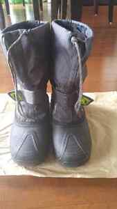 Boy's winter boots, size 6,  asking $10 London Ontario image 1