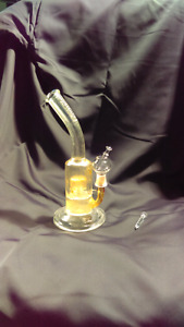 Dab rig. 14 mm. Comes with two nails and bowl.