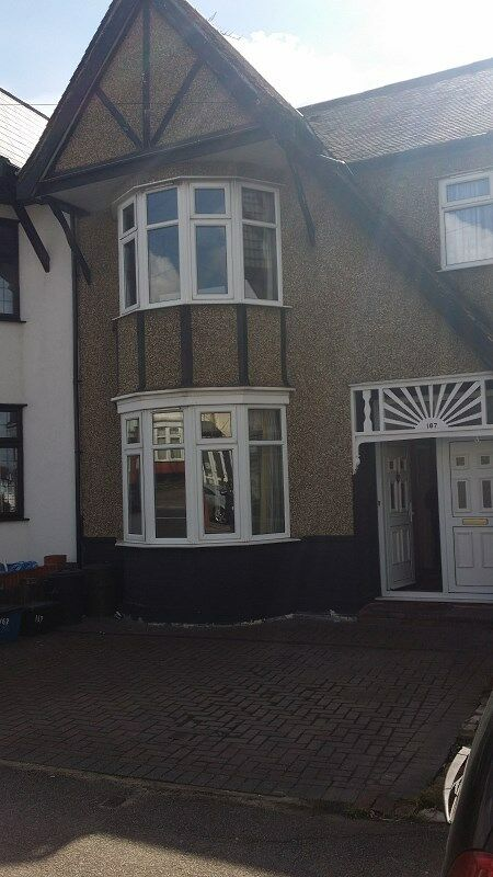 3 BED HOUSE: REDBRIDGE LANE EAST REDBRIDGE IG4 5DB -
