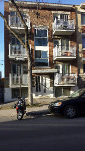 3 1/2 in Parc Ex, walk to Acadie Metro - from July 1st