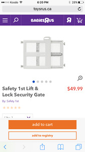 NEW safety 1st Lift & Lock Security Gate