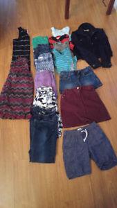 Lot de vêtements pour fille entre 8-14 ans