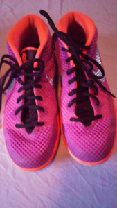 Girls Youth Size 5Y Nike Basketball Sneakers