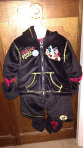 Mickey Mouse warm suit