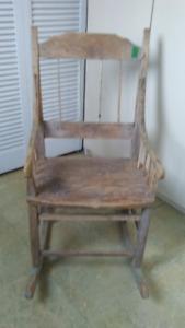 chaise berçante primitive antique