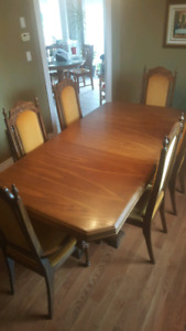 Dining Set Table with Leaf and 6 chairs