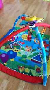 Baby einstein playmat with musical sun and toys
