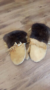 NEW HAND MADE Winter Native Mittens ( Smoked Deer leather and Be