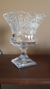 SOLID CRYSTAL CENTERPIECE IN EXCELLENT COND.