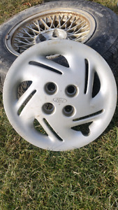 4 Ford Focus Hubcaps 4-Bolt 4-inch