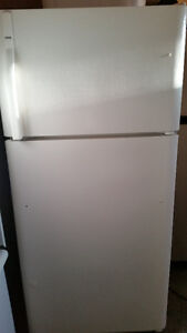 Kenmore Fridge, new cond...missing handle.......