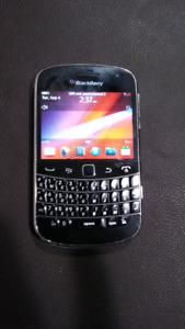 Unlocked blackberry bold 9900 works for all carriers excep wind