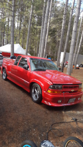 Embrun Sport Truck 2002 Chevy S-10 X-Treme Red