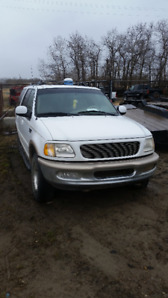 Ford Expedition for sale as parts