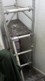 Paint and decorating floor laminate