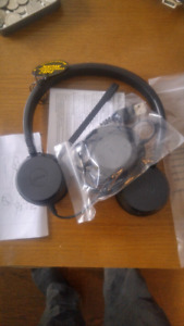 JABRA 20 HEADSET BRAND NEW. UNUSED!