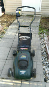 Yardworks Electric Compact Lawn Mower