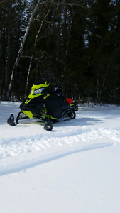 2014 SkiDoo Summit SP