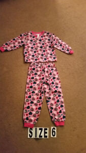 SIZE 6 T , PIJAMAS FOR GIRL $3Excelent condition , like new ,
