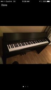Roland F-120  88 key digital piano