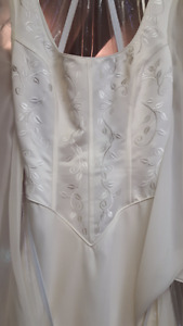Wedding Gown in nice condition for Sale