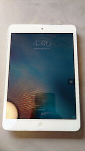 White Apple iPad 16GB