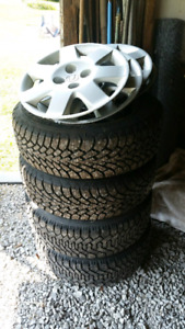 "Goodyear Nordic snow tires 195/60 R 15 (15"")"