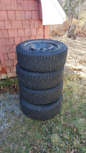 2016 civic winter studded tires & rims 215/55R16