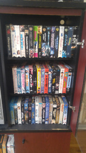 Collection de 200 films VHS / Collection of 200 VHS movies
