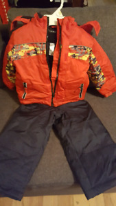 Like new 3T snow suit