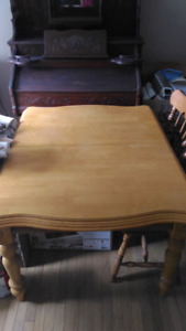 Solid hardwood dinning table and chairs