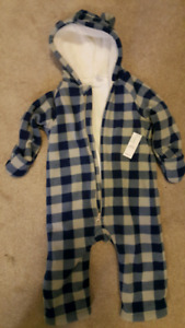 Old Navy Fleece Bundler New with Tags 18-24 mos