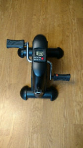 Sunny Health and Fitness Mini Exercise Foot Pedals (mini bike)