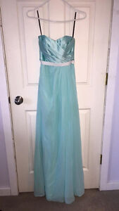 Sorely Vita Dress. SZ 2 GREAT FOR PROM