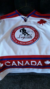 Dale hawerchuk legends hall of fame sweater autographed