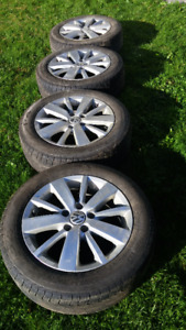 4 VW Alloy rims with Pirelli all season tires