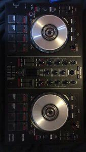 Pioneer DJ serato mix table