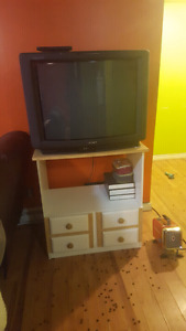 free 33 fat tv very heavy with stand