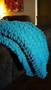 Soft Chunky Crochet Blanket