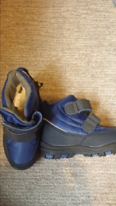 Boys boots size 9. Brand new