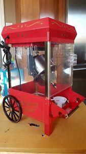 Superbe machine à maïs soufflé Nostalgia Electrics