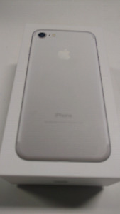 Brand new Iphone 7 Silver 32 Gb Rogers/Chatr
