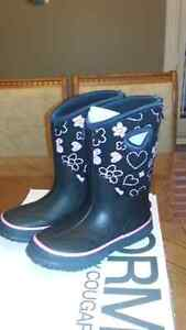 Snow boots for girls size 13