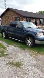 2004 Ford F-150 SuperCrew XLT Pickup Truck