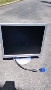 "17"" LCD PC Computer Monitor Screen Ecran Moniteur Ordinateur"