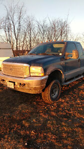 2002 Ford F-250 Cab and a half Pickup Truck